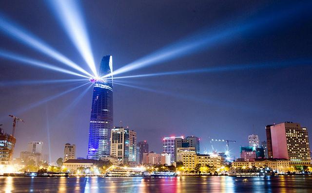 Sài gòn du lịch với tòa nhà Bitexco lung linh trong đêm (Ảnh: Sưu tầm)