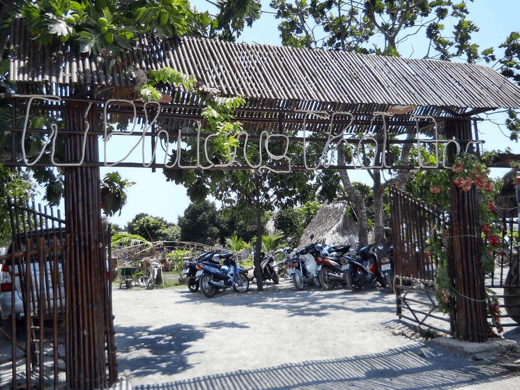Cổng vào khu du lịch sinh thái Bà Rịa Vũng Tàu
