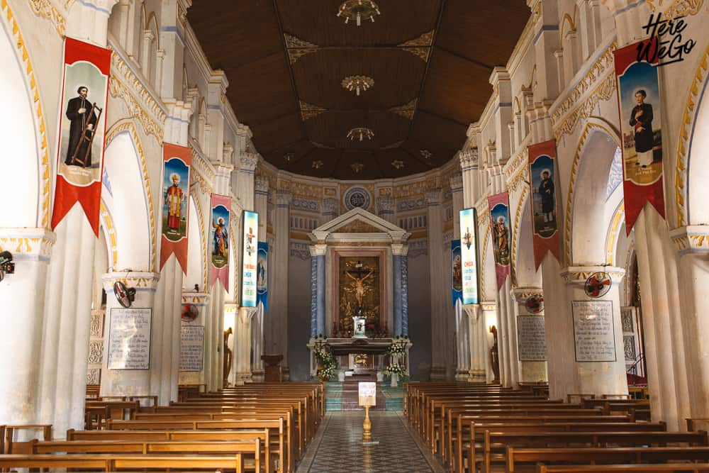 Bên trong nhà thờ Mằng Lăng (Ảnh: ST)
