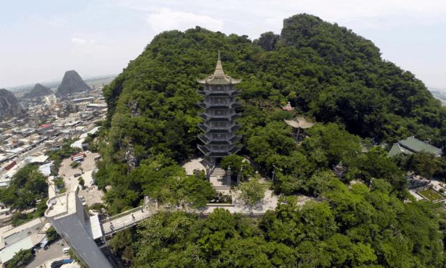 Ngũ Hành Sơn ngọn núi đẹp mê hồn thu hút khách du lịch tại Đà Nẵng