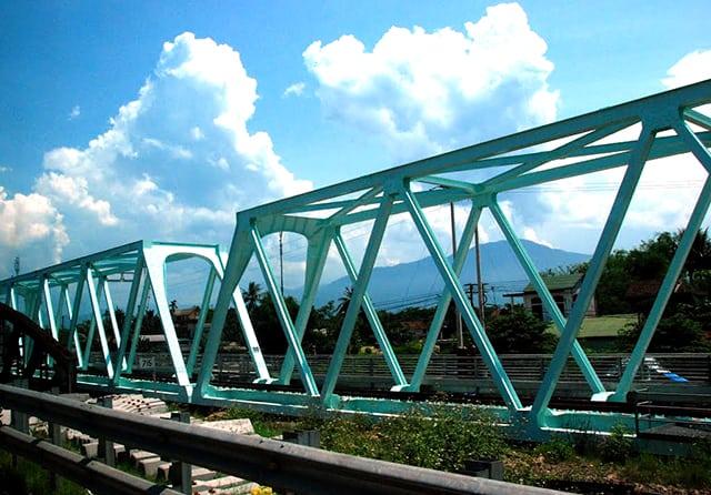 Cầu Truồi dẫn tới Thiền Viện Trúc Lâm