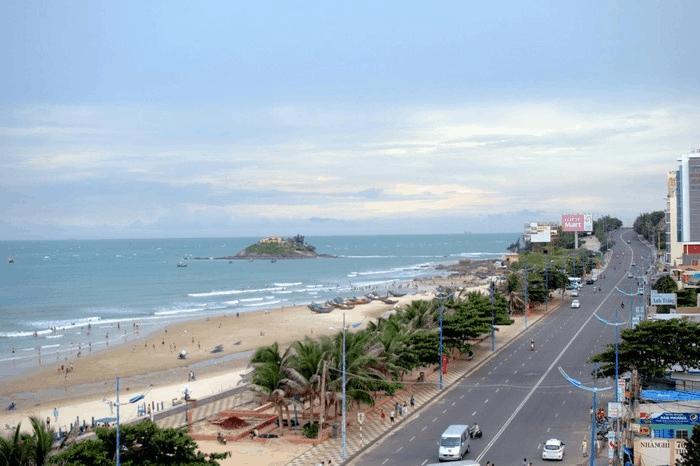 Biển và thành phố Vũng Tàu nhìn từ đồi Con Heo