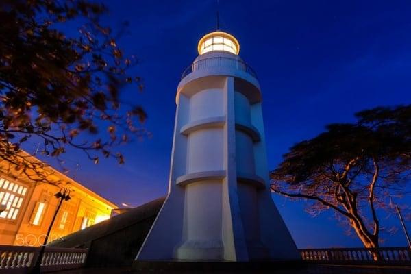 Cảnh quan ở ngọn hải đăng Vũng Tàu ban đêm (Ảnh sưu tầm)