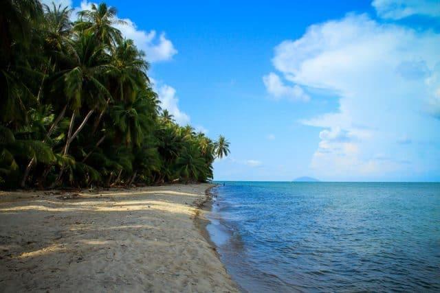'..bãi cát trắng trải dài nhưng vẫn khoác lên mình sự tĩnh lặng, thanh bình' (Ảnh sưu tầm)