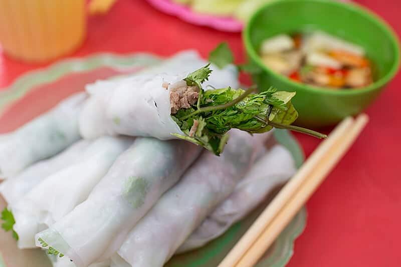 phở cuốn Hưng Bền món ăn vặt ngon ở Hà Nội