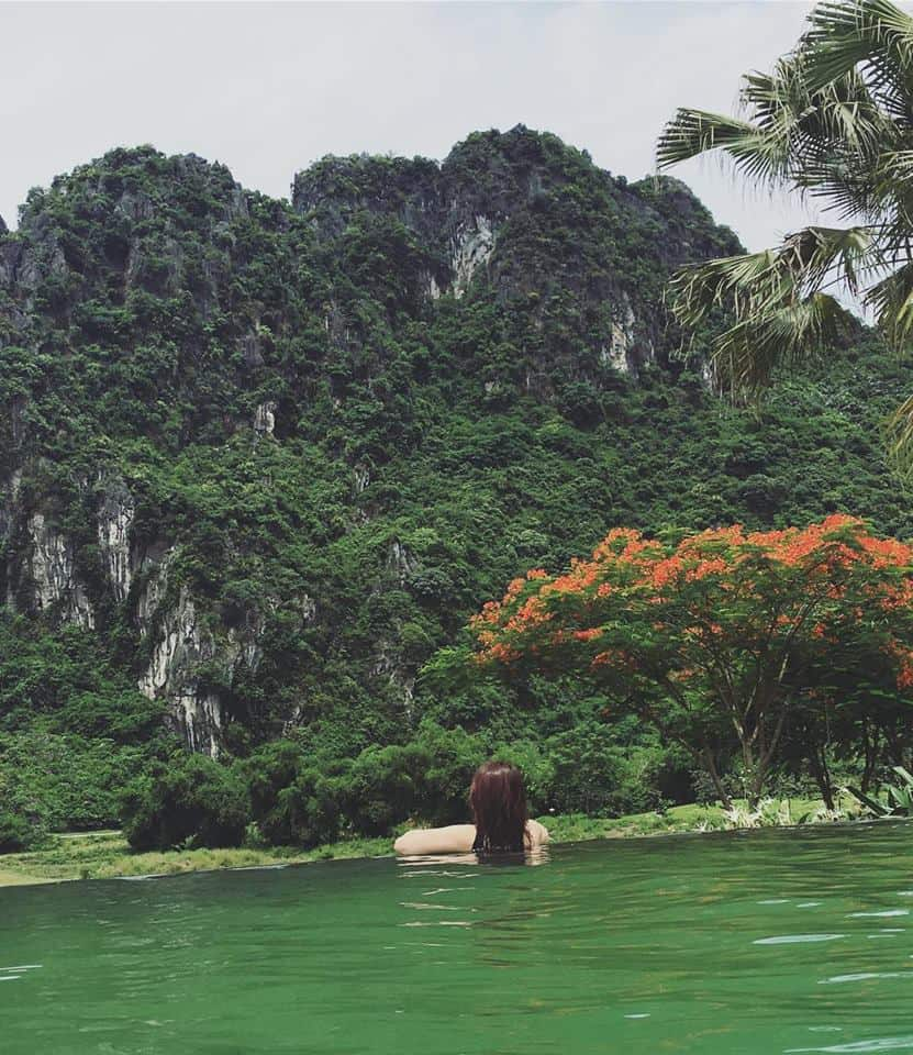 Hồ tắm khoáng tại Serena Resort Kim Bôi