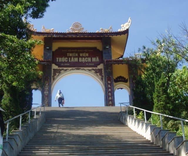 Trước Tam Quan - Thiền viện Trúc Lâm Bạch Mã