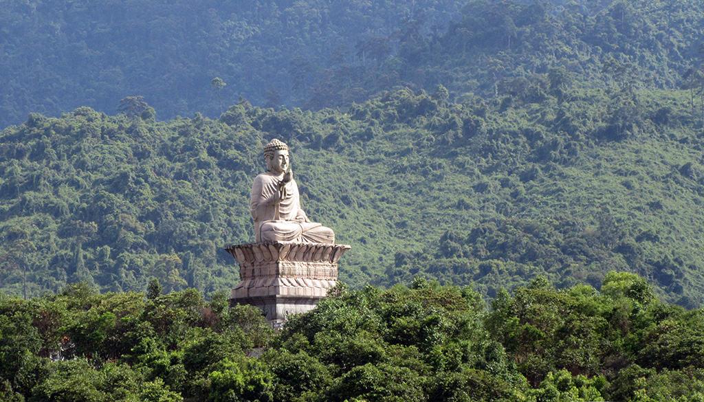 Thiền viện Trúc Lâm Bạch Mã - tượng phật chốn linh thiêng