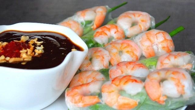 """Thức quà Sài thành ngon """"khó cưỡng"""" món ăn vặt Sài Gòn giá rẻ(Ảnh: ST)"""