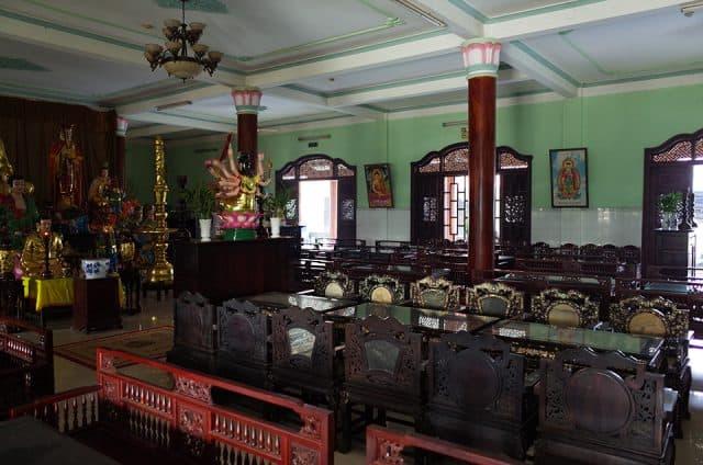 Phía trong chùa Châu Dốc 3 - Bến Gỗ