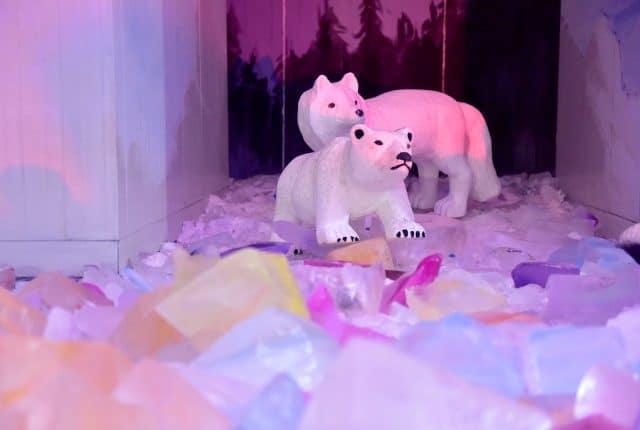 Hang gấu tuyết