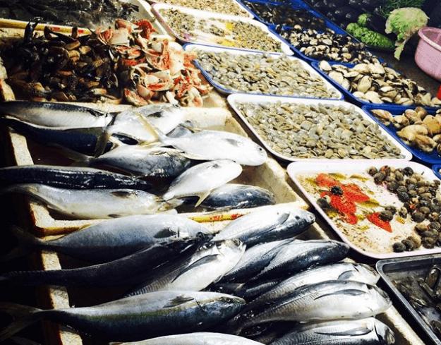 Chợ đêm Vũng Tàu thu hút du khách bởi những món hải sản hấp dẫn (ảnh sưu tầm)