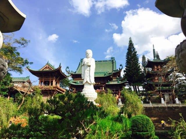 Một bức tượng phật bên trong Chùa Minh Thành. (Ảnh ST)