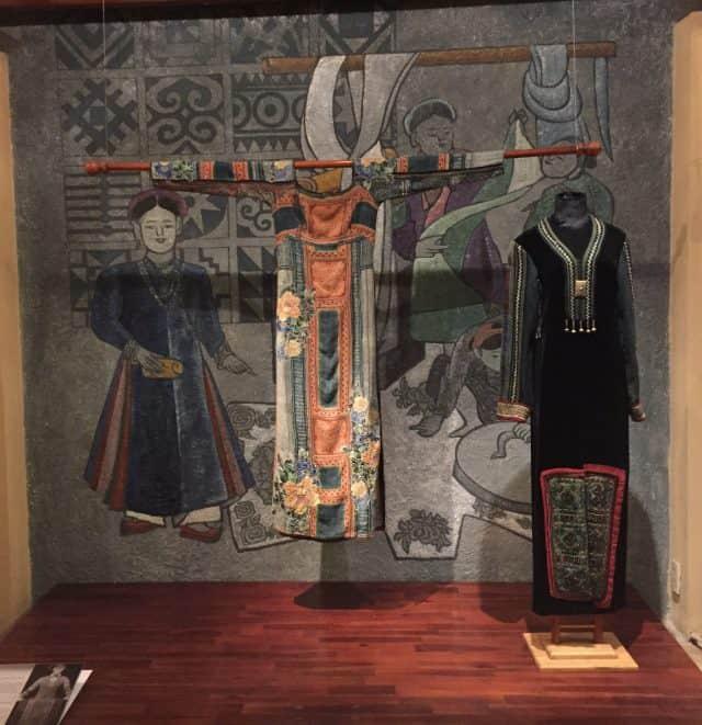 Mẫu áo trong bảo tàng áo dài TPHCM