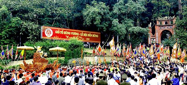 Lễ hội đền Hùng một đi không muốn về