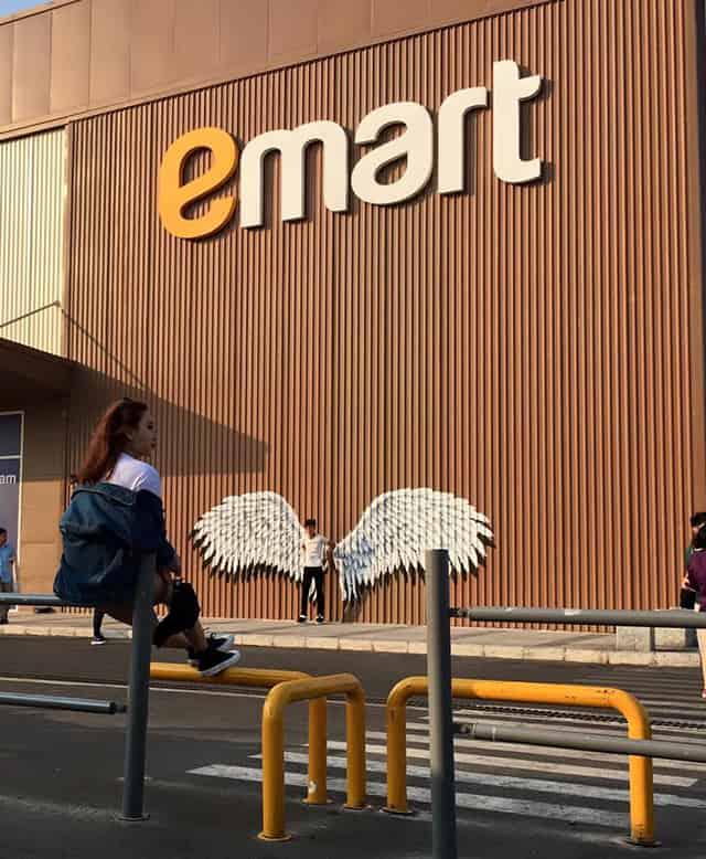 siêu thị E-Mart là địa điểm chụp hình chất ở Sài Gòn