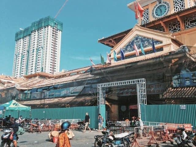 Chợ Bình Tây địa điểm du lịch Sài Gòn