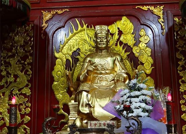 Tượng thờ vua Quang Trung - Nguyễn Huệ (Ảnh: ST)