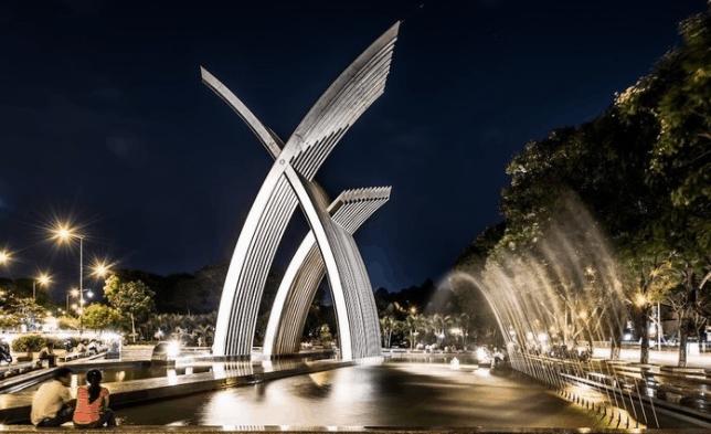 Công viên Hoàng Văn Thụ trở nên đẹp hơn khi về đêm