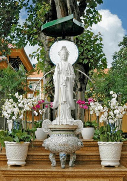 Hình ảnh tượng Bồ Tát Quan Thế Âm tại chùa Xá Lợi
