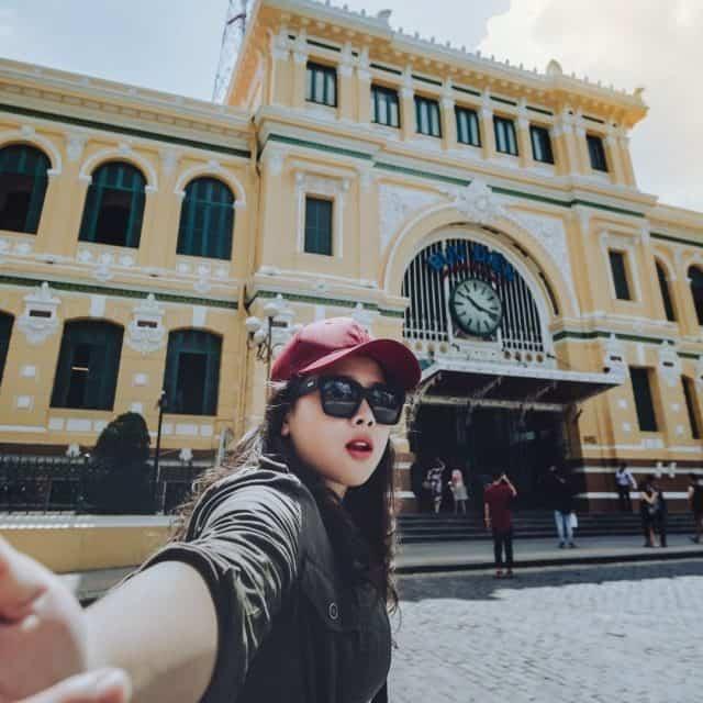 Sống ảo siêu xinh tại Bưu Điện Sài Gòn ngay thôi