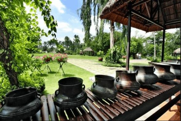 Du khách có thể tham quan, vui chơi thoải mái tại khu du lịch