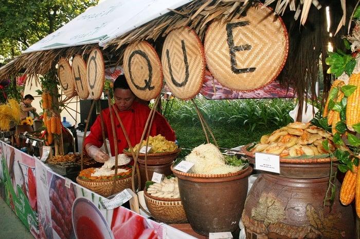 Thưởng thức những món ăn quê dân dã tại khu du lịch