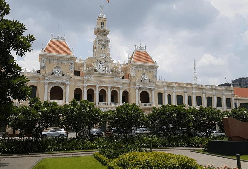 Fusion Suites Sài Gòn