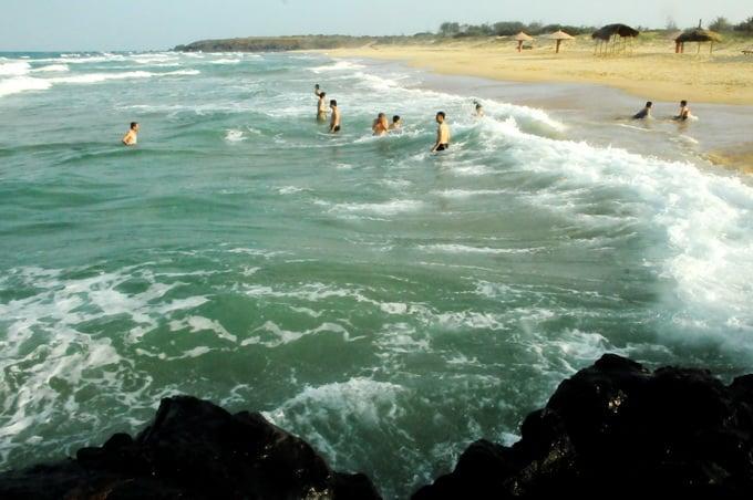 Vẻ thơ mộng trên mặt biển ở Bãi Xép - Phú Yên. (Ảnh ST)