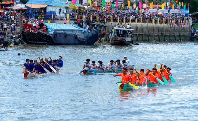 Một số hoạt động diễn ra vào lễ hội đình Bình Thủy