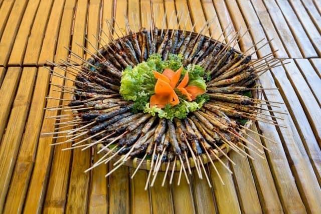 Cá kèo nướng (Ảnh: Làng Du lịch Tre Việt)