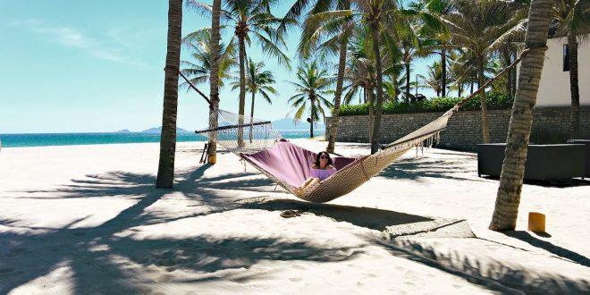 Không gian tĩnh lặng và yên bình tại một bãi biển ở Hội An - Quảng Nam. (Ảnh ST)