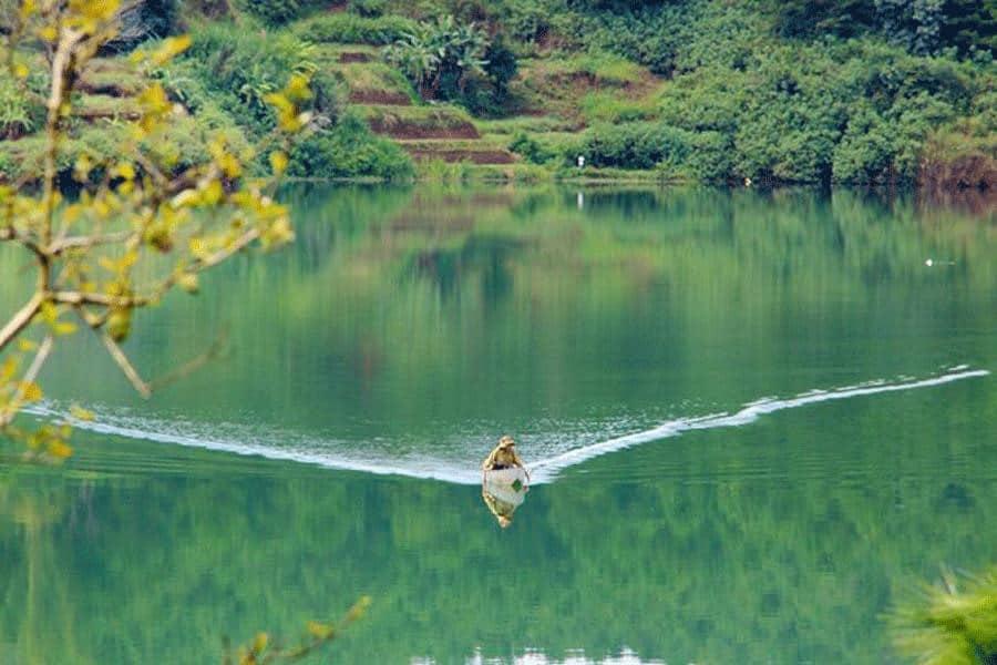 Một gợi sóng nhỏ trên mặt hồ cũng vô cùng đẹp và thơ mộng. (Ảnh ST)