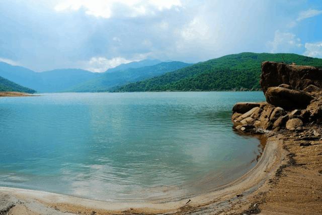 Phải lòng vẻ đẹp yên bình nơi non nước hồ Đồng Xanh – Đồng Nghệ