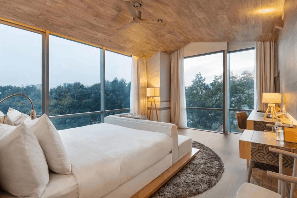 Không gian phòng nghỉ sang trọng tại khách sạn Fusion Suites Sai Gon