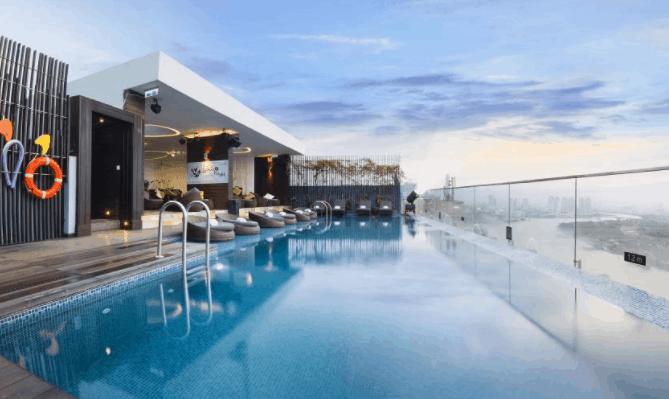 Khu bể bơi sang trảnh tại khách sạn Liberty Central Saigon Riverside