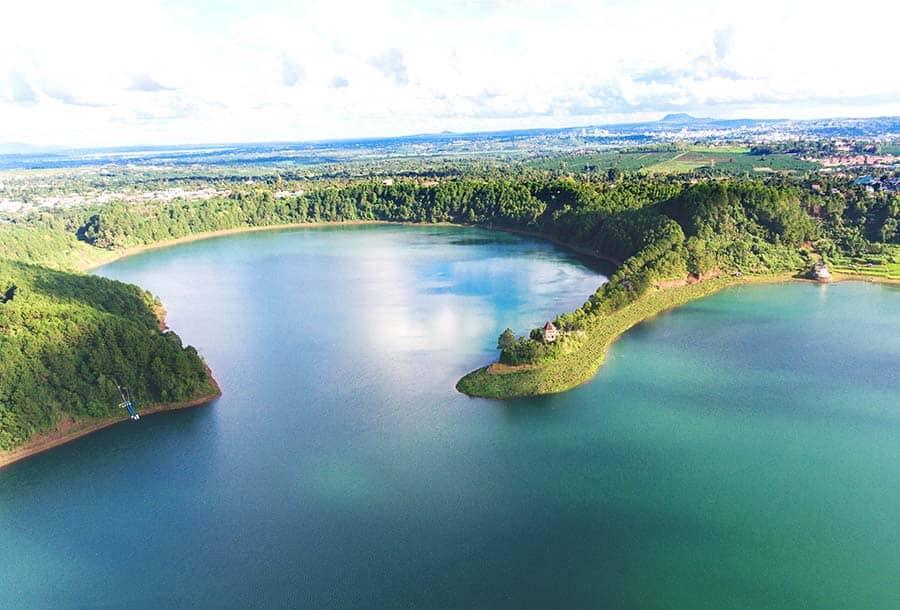 Một vài nét phẳng lặng của mặt Biển Hồ Pleiku. (Ảnh ST)