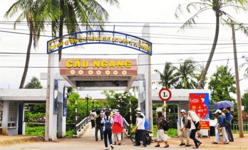 Cầu Ngang - Đường dẫn vào vườn trái cây Lái Thiêu