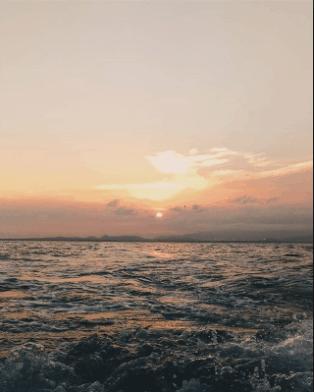 Ngắm mặt trời lặn và mọc trên biển rất tuyệt