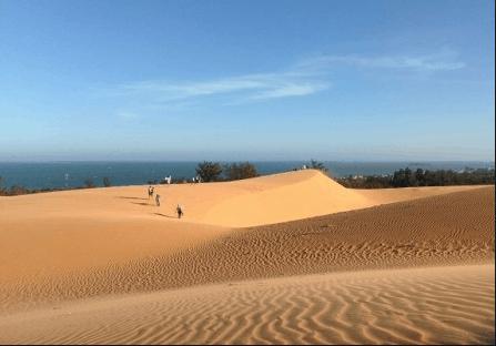 Đồi cát bay - địa điểm hấp dẫn các bạn trẻ