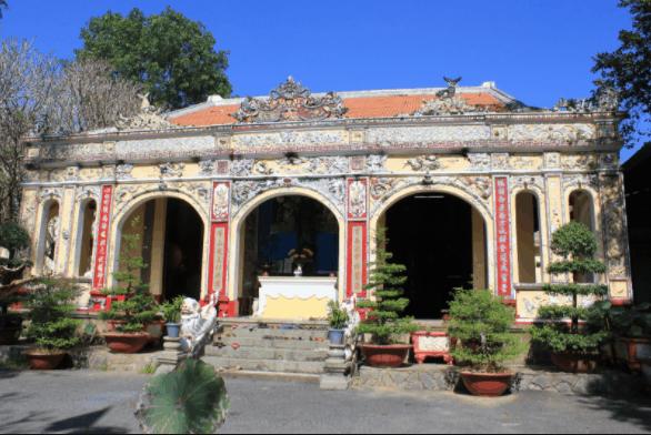 Ngôi chùa Bửu Phong Cổ Tự tọa lạc ở khu du lịch