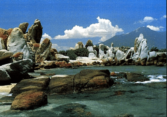 Hàng vạn khối đá tô điểm cho Cù Lao Câu