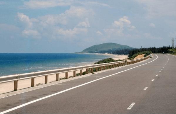 Cung đường ven biển dành cho những phượt thủ