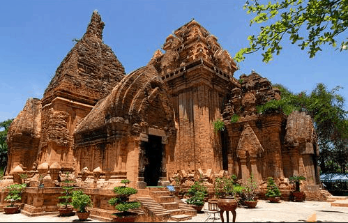 Tháp Chàm Poshanu - dấu ấn của người Chăm