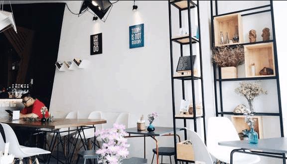 Không gian quán Buihaus Cafe