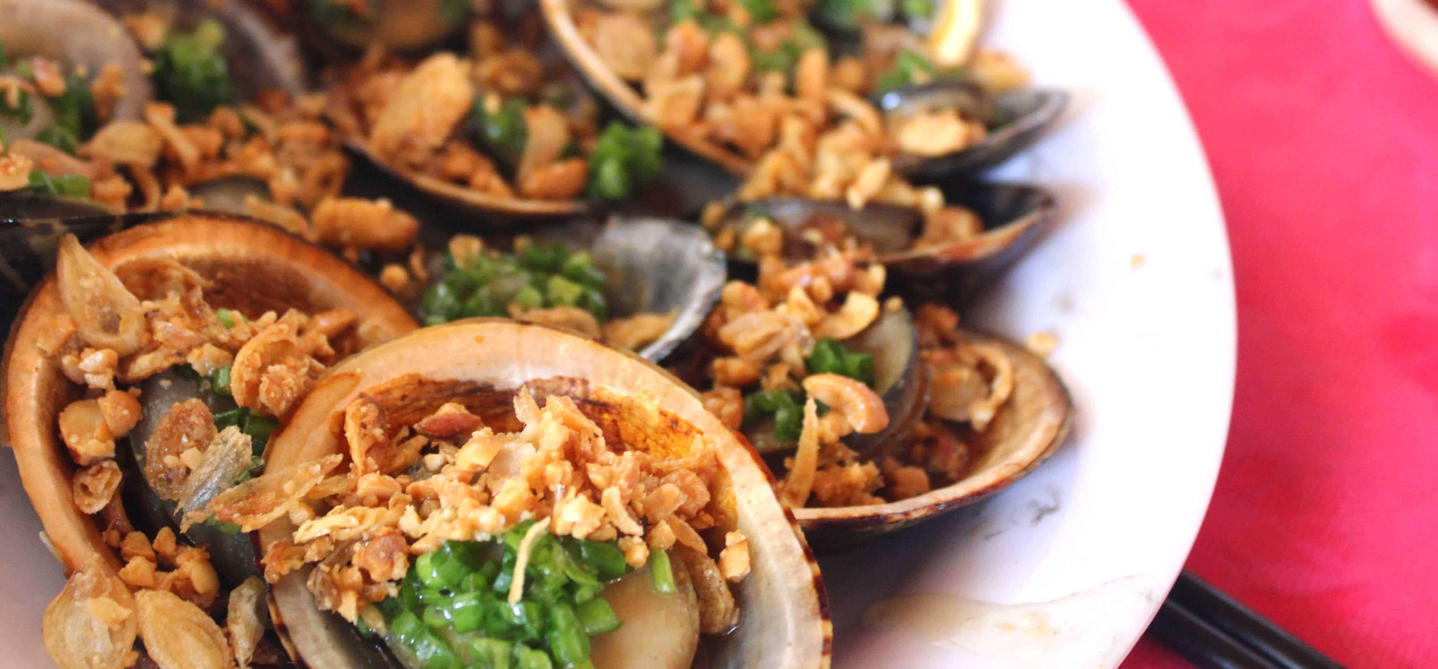 Hải sản Xuân Anh Nha Trang rất nổi tiếng với những món nướng (Ảnh ST)