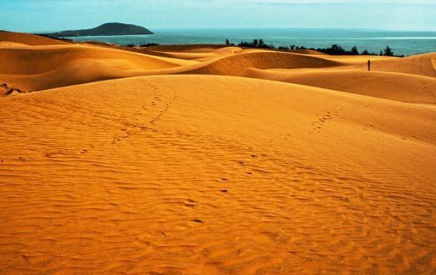 Đồi cát Bay trải dài ở Bình Thuận