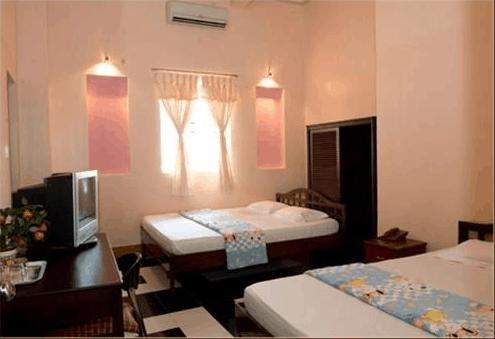 Phòng ngủ đầy đủ tiện nghi và thoáng mát