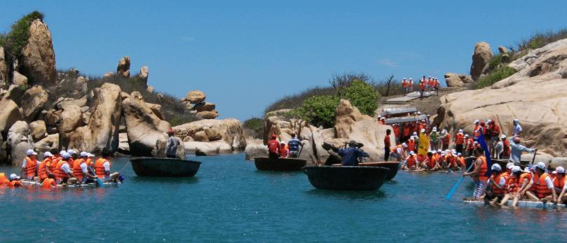 ĐI thuyền ra đảo Kê Gà