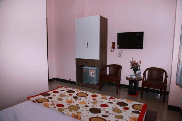 Phòng ngủ sạch sẽ, ngăn nắp và đầy đủ tiện nghi